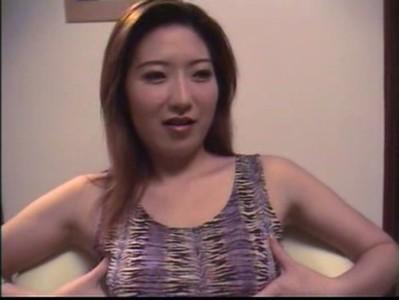 ผัว-เมียจีนก็มีทีเด็ดเหมือนกัน กับดาราสาวที่เล่นซีรี่ในตอนนี้ลีลาตอนนี้แซ่บใช้ได้พอๆกับบทในหนังเลย หีใหญ่ แคมเนียน จัดหนักบนโซฟากับผัวสุดเสียวไปเลย หนังเอ็กฝรั่ง